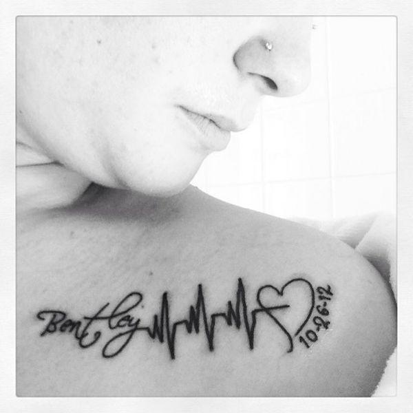 exemple tatouage prenom femme enfant naissance epaule