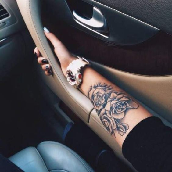 tatouage rose avant bras homme. Black Bedroom Furniture Sets. Home Design Ideas