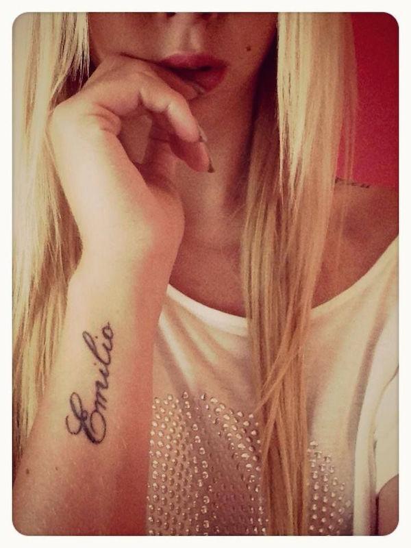 idee tattoo prenom avant bras poignet
