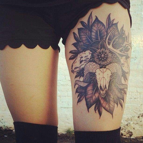 Tatouage femme cuisse 3 cranes tatouage femme - Tattoo cuisse femme ...