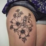 tatouage femme cuisse coquelicots