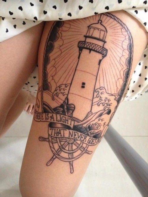 tatouage femme cuisse phare