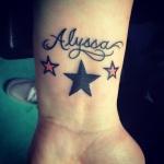 tatouage femme prenom 3 etoiles