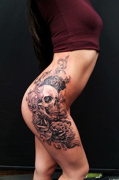 tatouage femme tete de mort cuisse tatouage femme. Black Bedroom Furniture Sets. Home Design Ideas