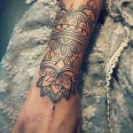 Tatouage mandala interieur avant bras