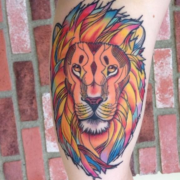 idee tatoo femme lion rasta couleurs bras