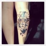 lion rasta femme tatouage mollet