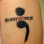 modele tatouage point virgule bras avec phrase