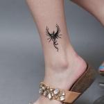 petit tatouage phoenix fille dessus de la cheville