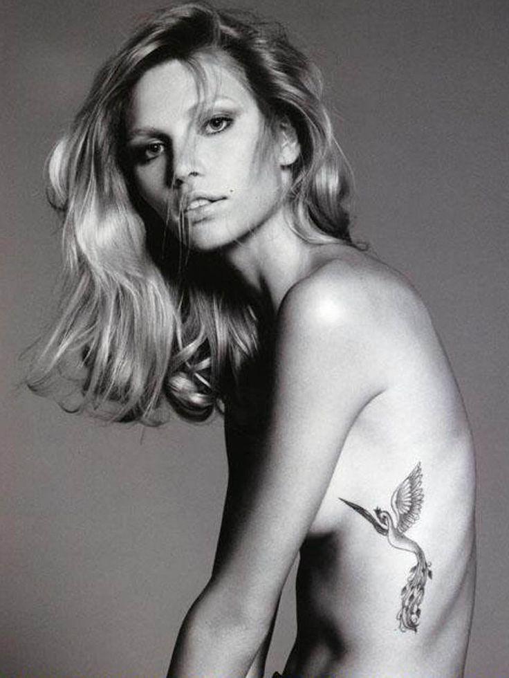 tatouage phoenix fille discret et fin sur les cotes
