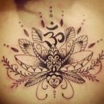 belle fleur de lotus tatouage femme mandala fin