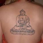 modele tatouage bouddha dos centre contour