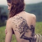 photo tattoo arbre forme de femme avec branches et racines