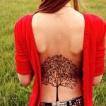 tatouage symboles arbre pommier dos fille