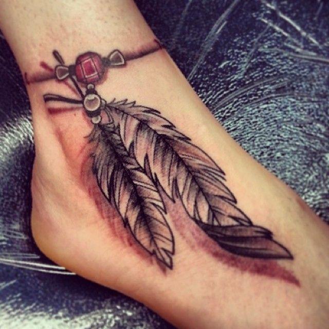 tatouage plume 3 d effet relief bracelet cheville femme