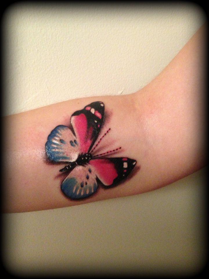 tatouage papillon femme 3d interieur haut de l avant bras