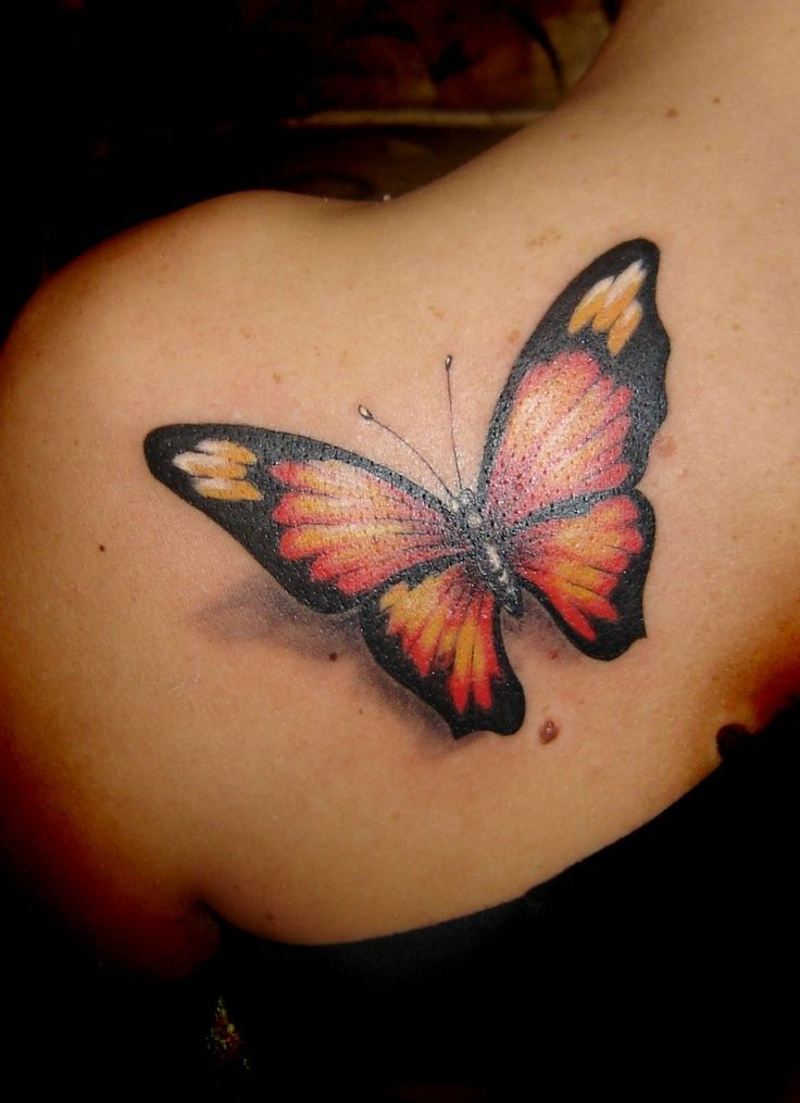tattoo papillon 3d omoplate