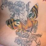 tigre dans la forme d un papillon tatouage femme