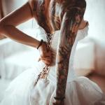 tatouage femme dos fee et ange
