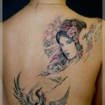 tatouage femme dos geisha et herons