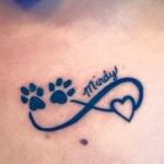 Tatouage prenom pattes de chat et coeur avec symbole infini