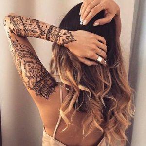 les 90 beaux mod les de tatouage mandala femme et leur signification. Black Bedroom Furniture Sets. Home Design Ideas