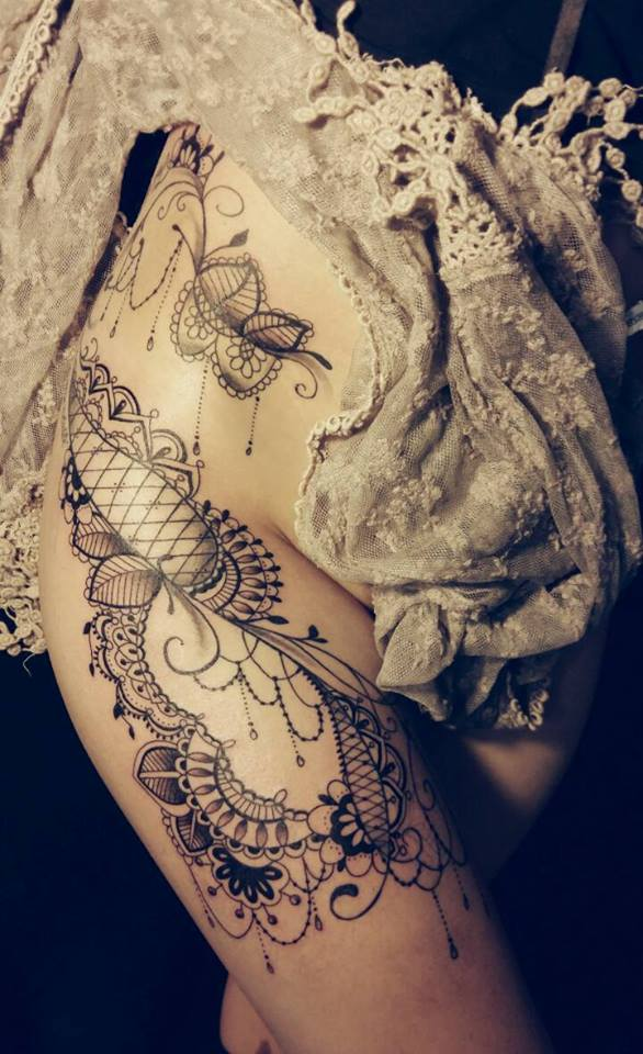 tatouage dentelle alex tattoo5 tatouage femme. Black Bedroom Furniture Sets. Home Design Ideas