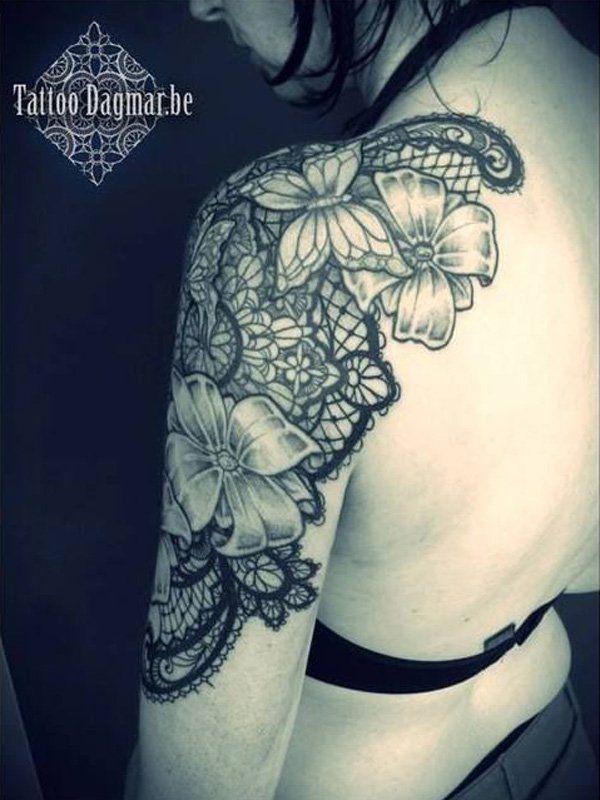 Tatouage epaule bras femme papillons fleur et dentelle - Tatouage fleur epaule ...