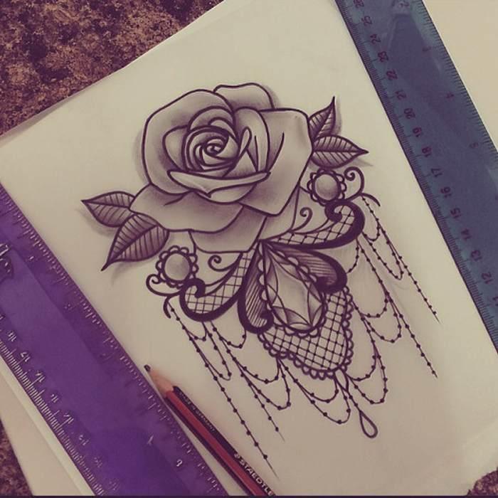 Tatouage rose dentelle et bijoux tatouage femme - Tatouage femme rose ...