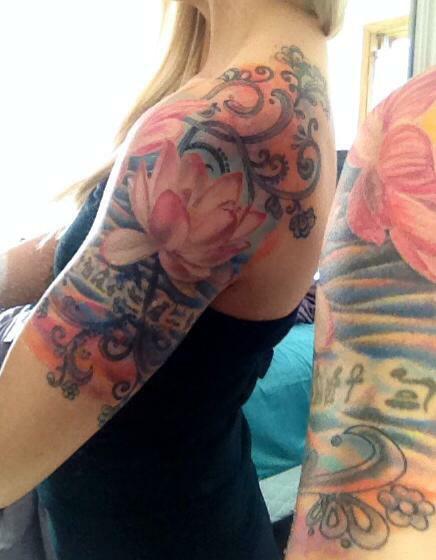Tatouage Bras Femme Fleur Rose